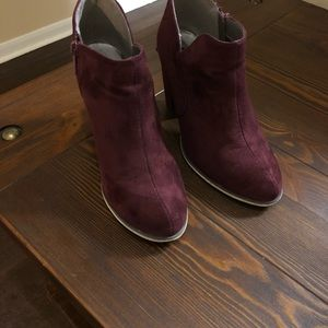 Size 9 plum Michael Antonio wedge heels